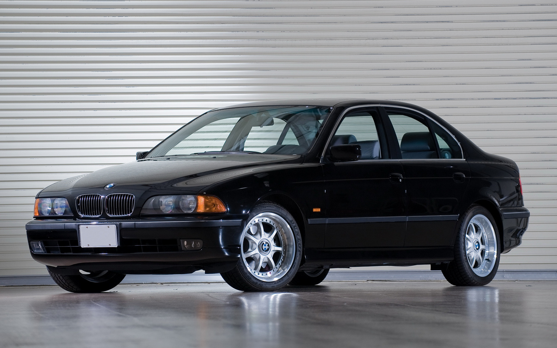 BMW 5 series 540i 1996 photo - 9