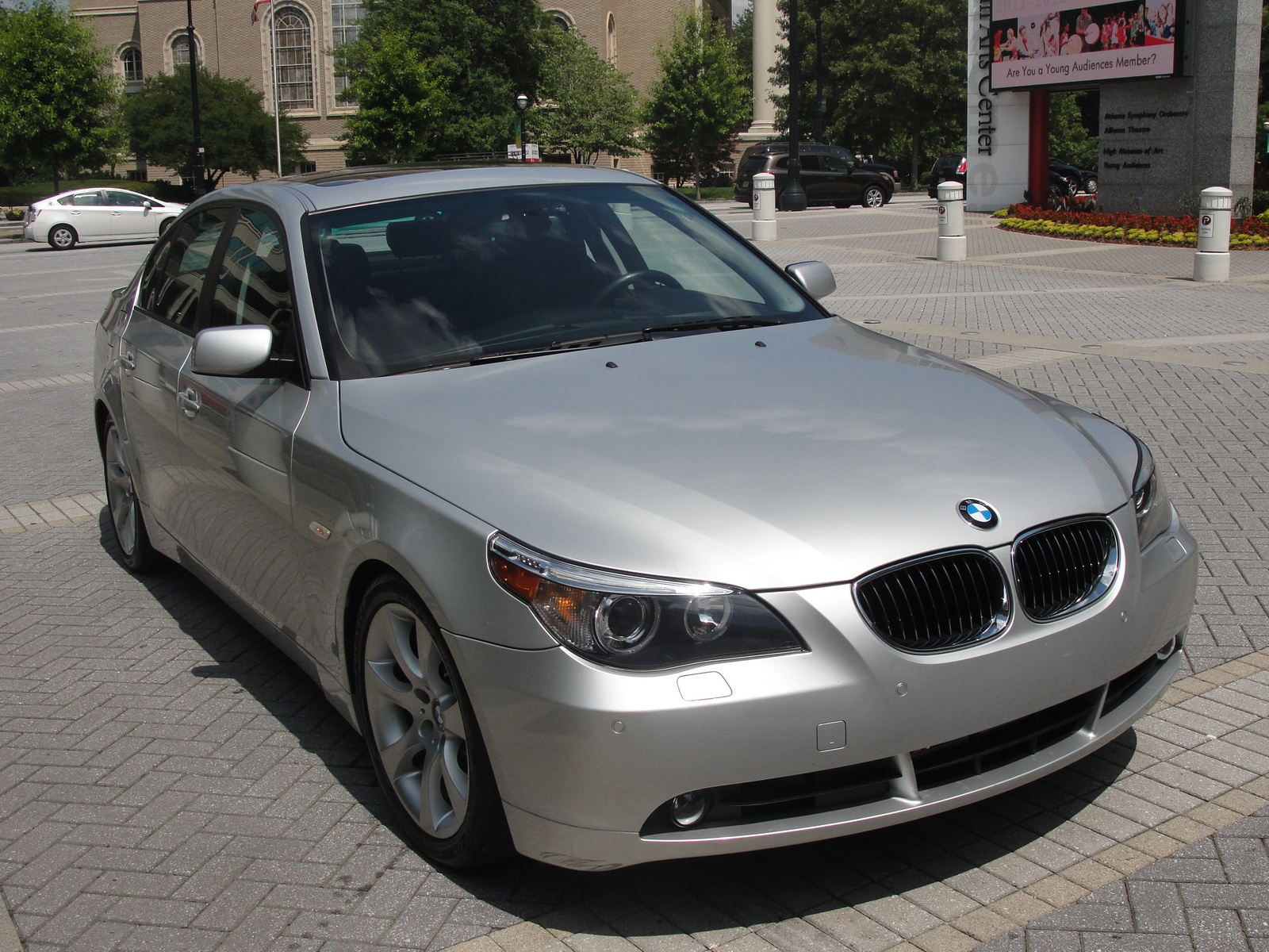 BMW 5 series 550i 2007 photo - 8