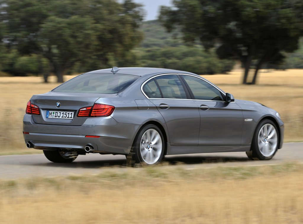 BMW 5 series 550i 2010 photo - 4