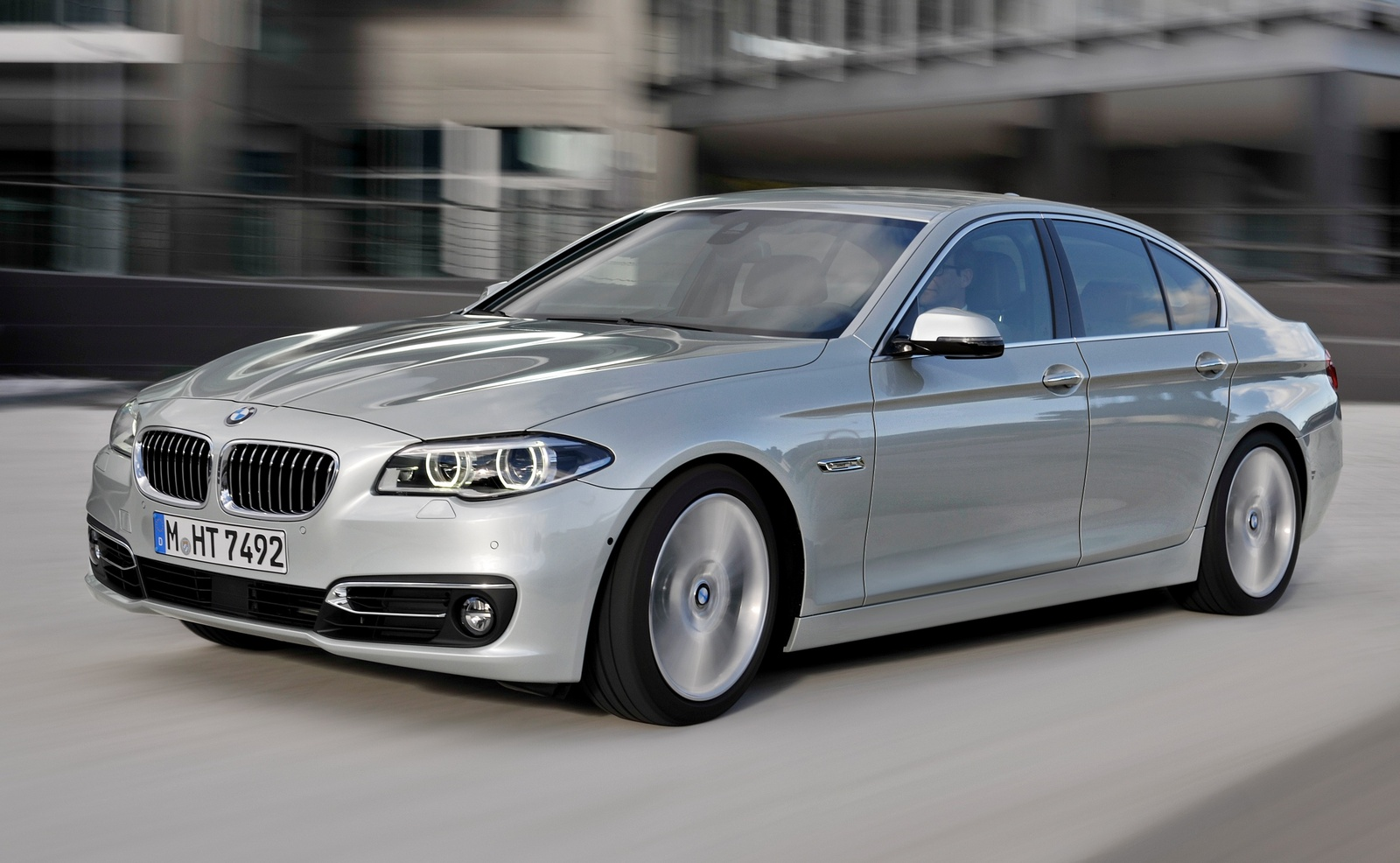 BMW 5 series 550i 2014 photo - 10