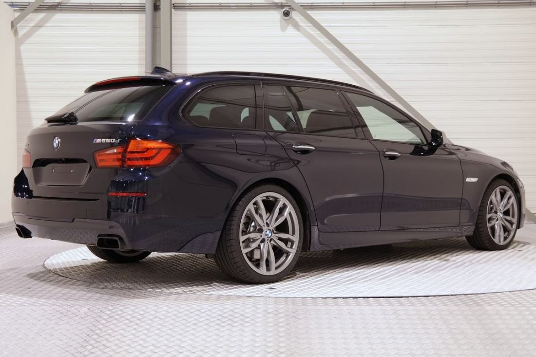 BMW 5 series M550d 2013 photo - 11