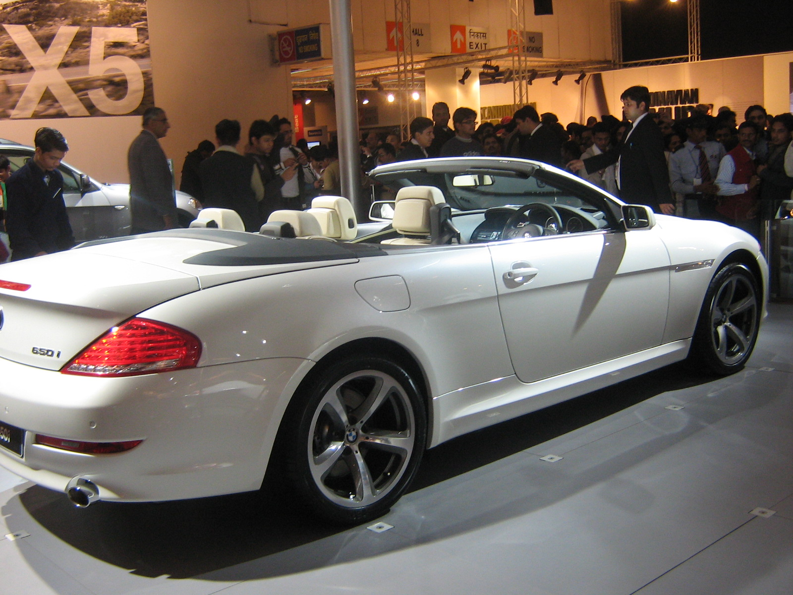 BMW 6 series 650i 2007 Technical specifications  Interior and