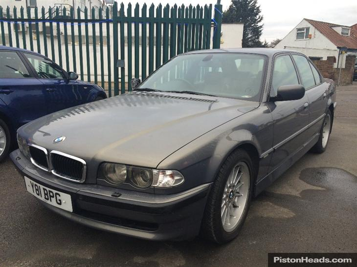 BMW 7 series 728iL 2001 photo - 5