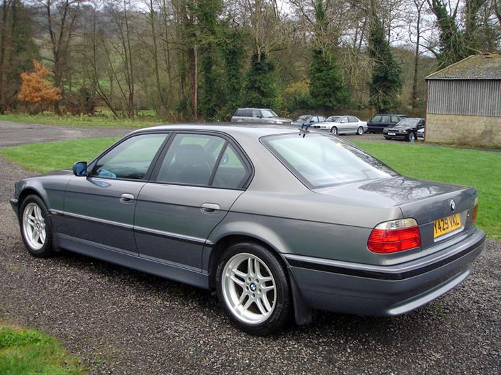BMW 7 series 728iL 2001 photo - 8