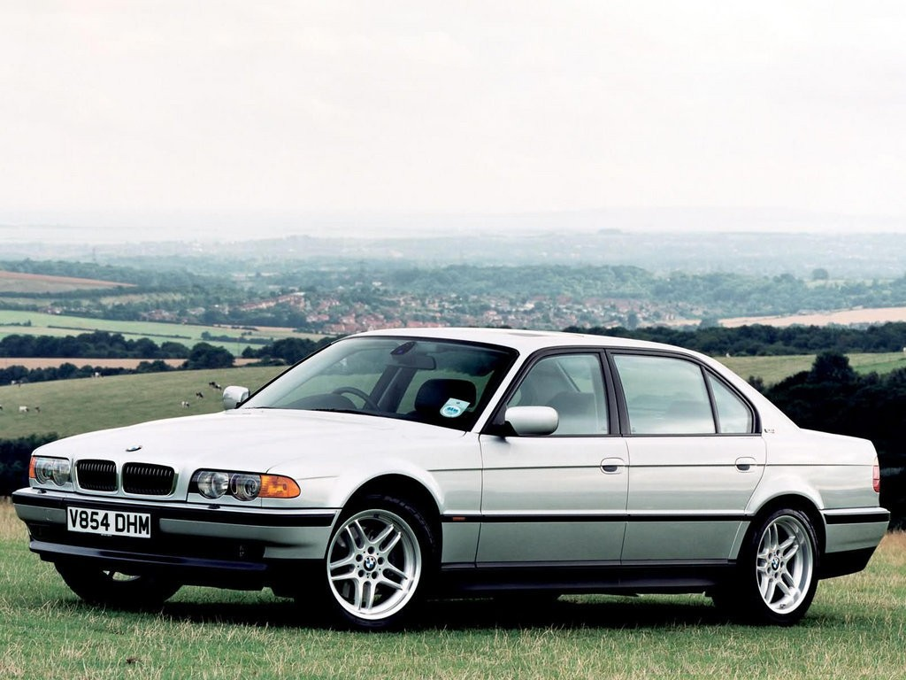 BMW 7 series 728iL 2001 photo - 9