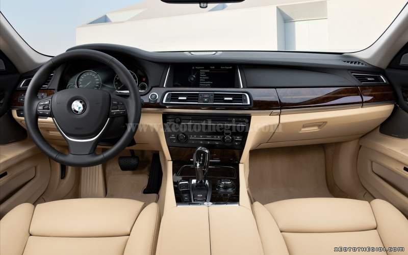 BMW 7 series 730Li 2012 photo - 10