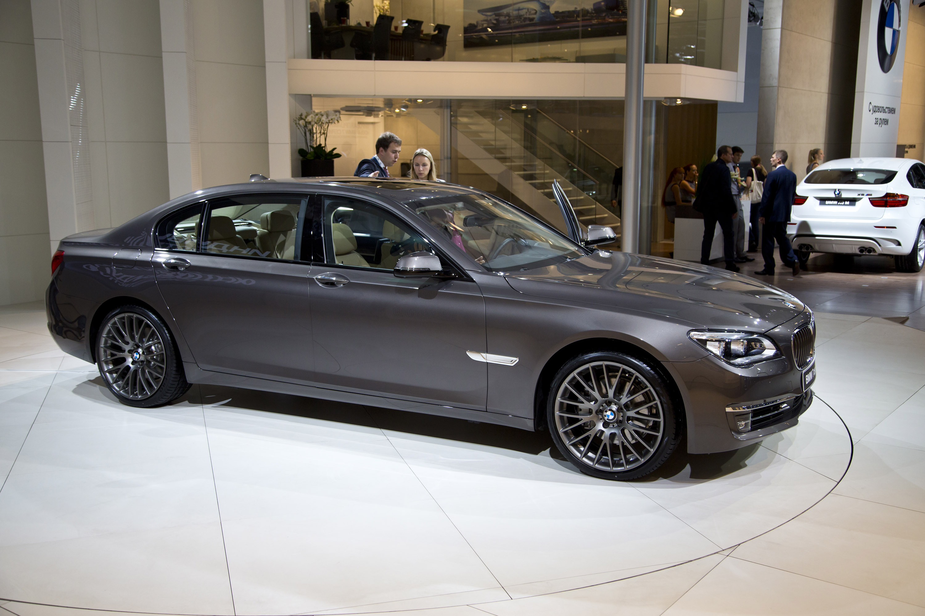 BMW 7 series 730Li 2012 photo - 11