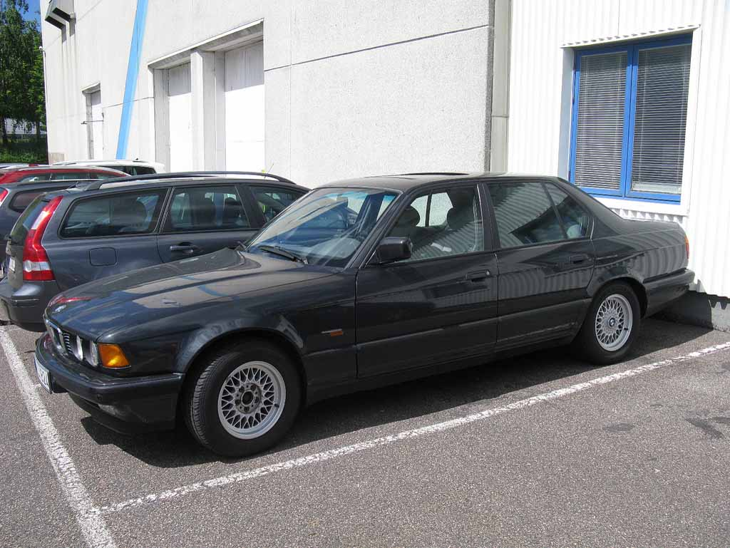 BMW 7 series 730i 1986 photo - 12