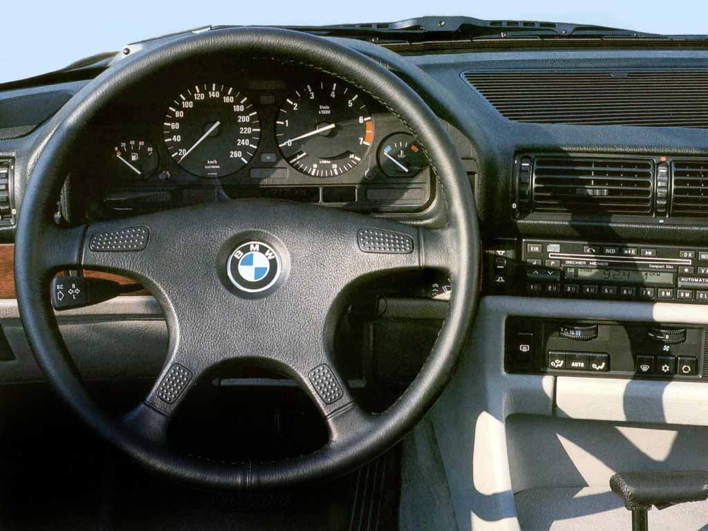 BMW 7 series 730i 1986 photo - 6