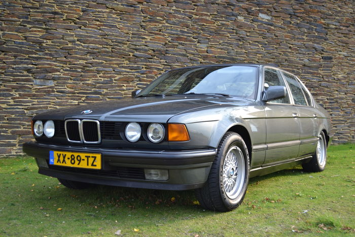 BMW 7 series 730i 1990 photo - 1