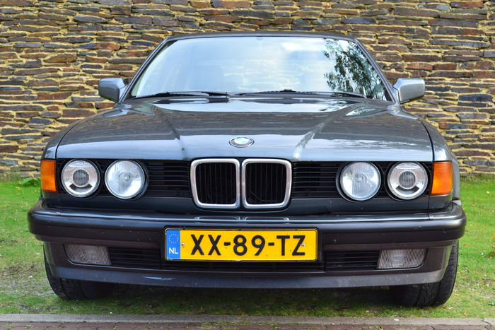 BMW 7 series 730i 1990 photo - 8