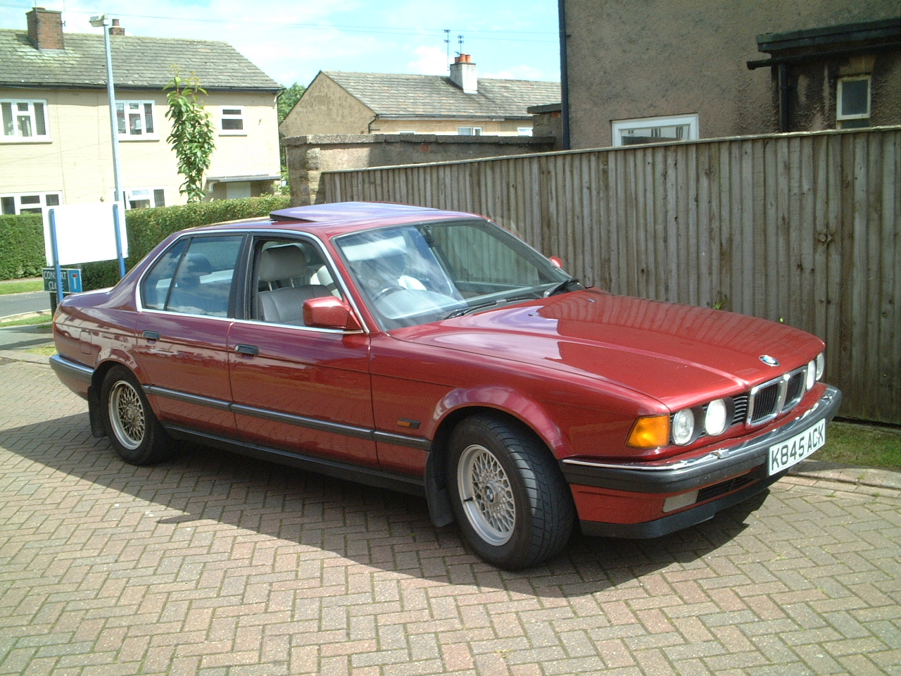 BMW 7 series 730i 1992 photo - 11