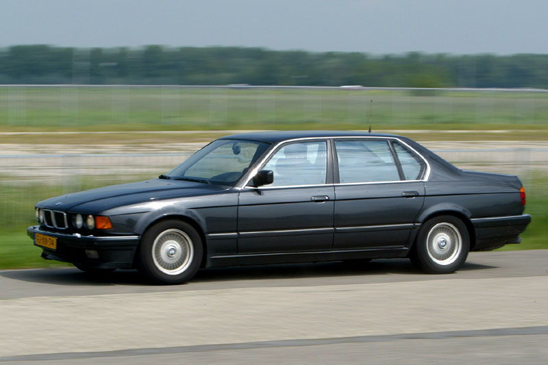 BMW 7 series 730i 1992 photo - 3