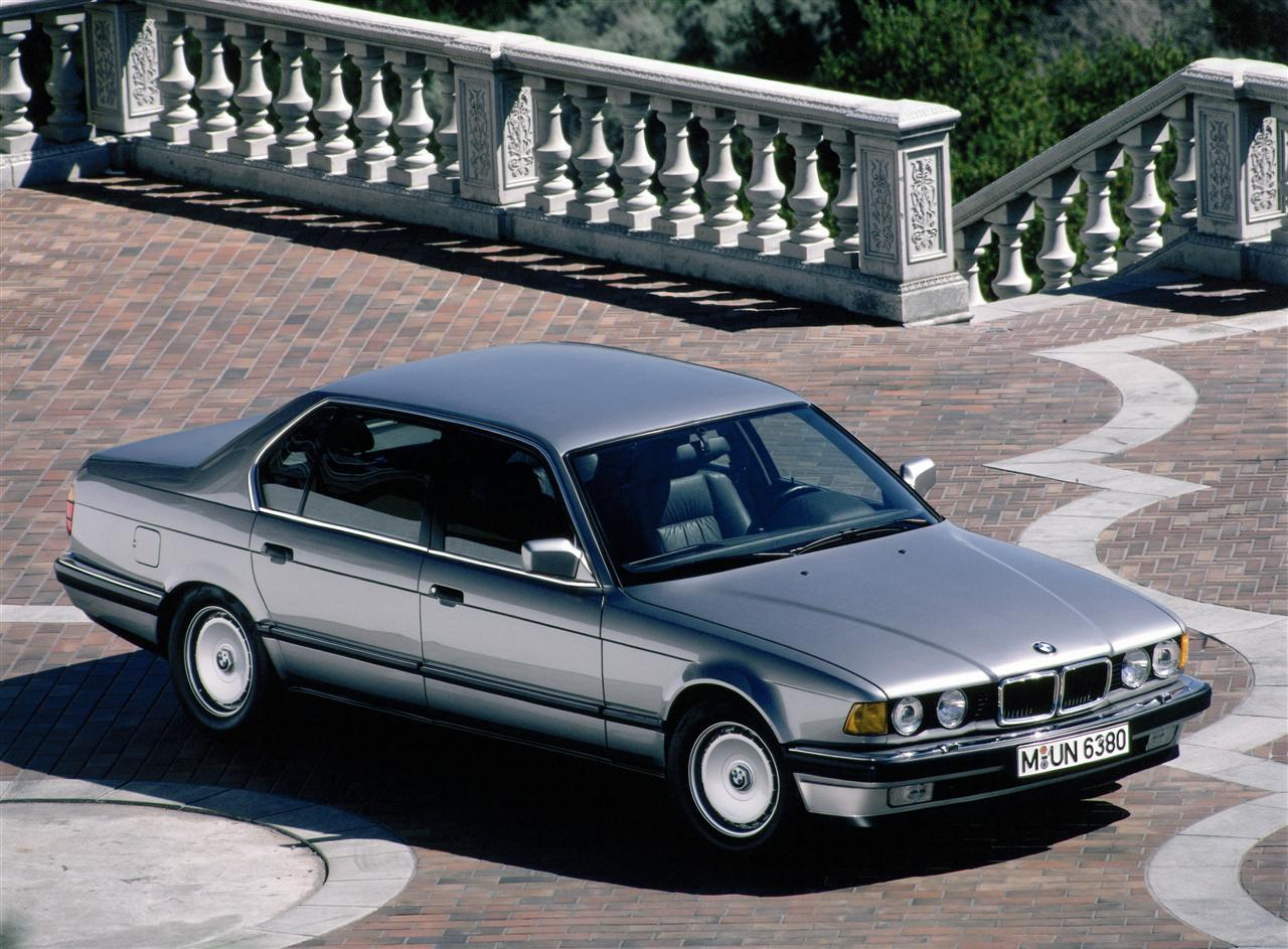 BMW 7 series 730i 1992 photo - 9