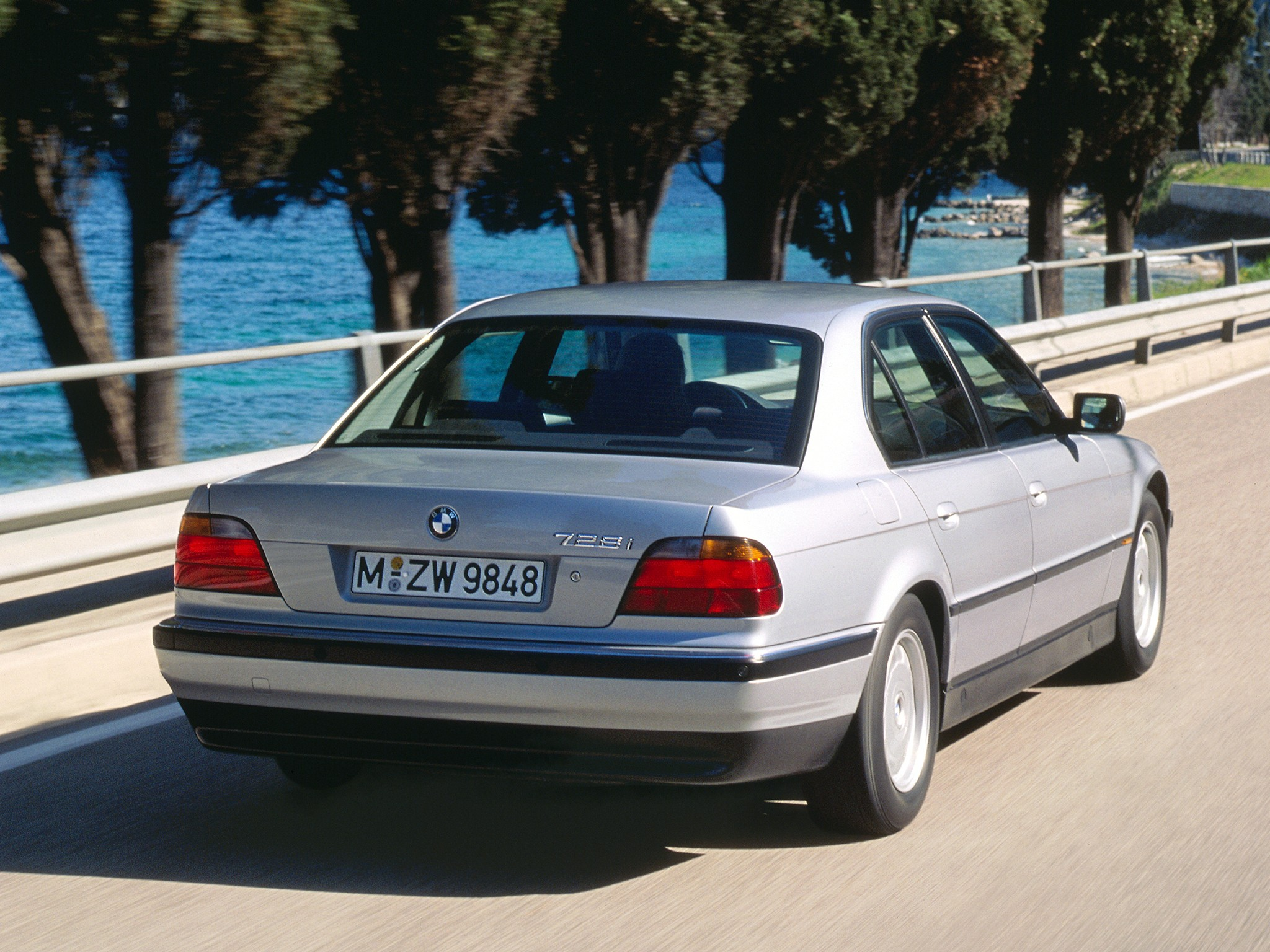 BMW 7 series 730i 1995 photo - 11