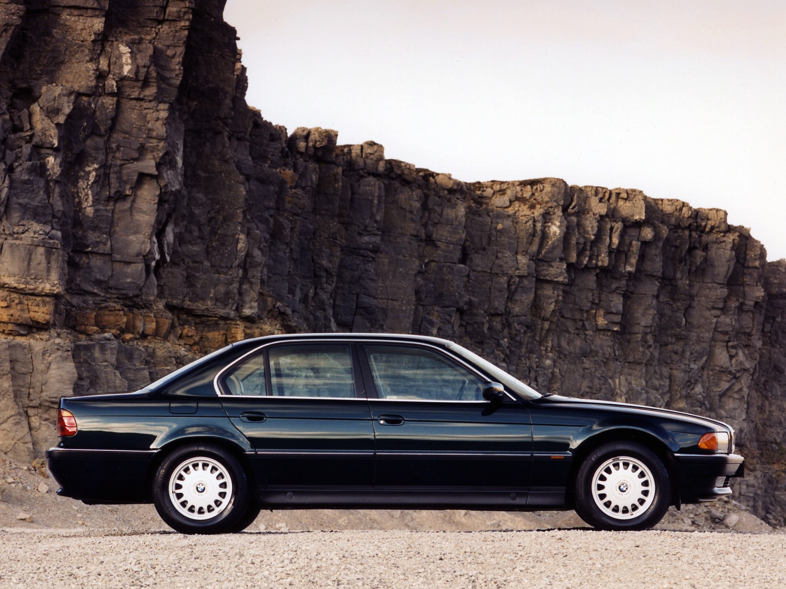 BMW 7 series 730i 1995 photo - 12