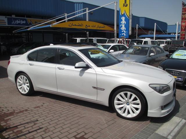 BMW 7 series 730i 2011 photo - 1