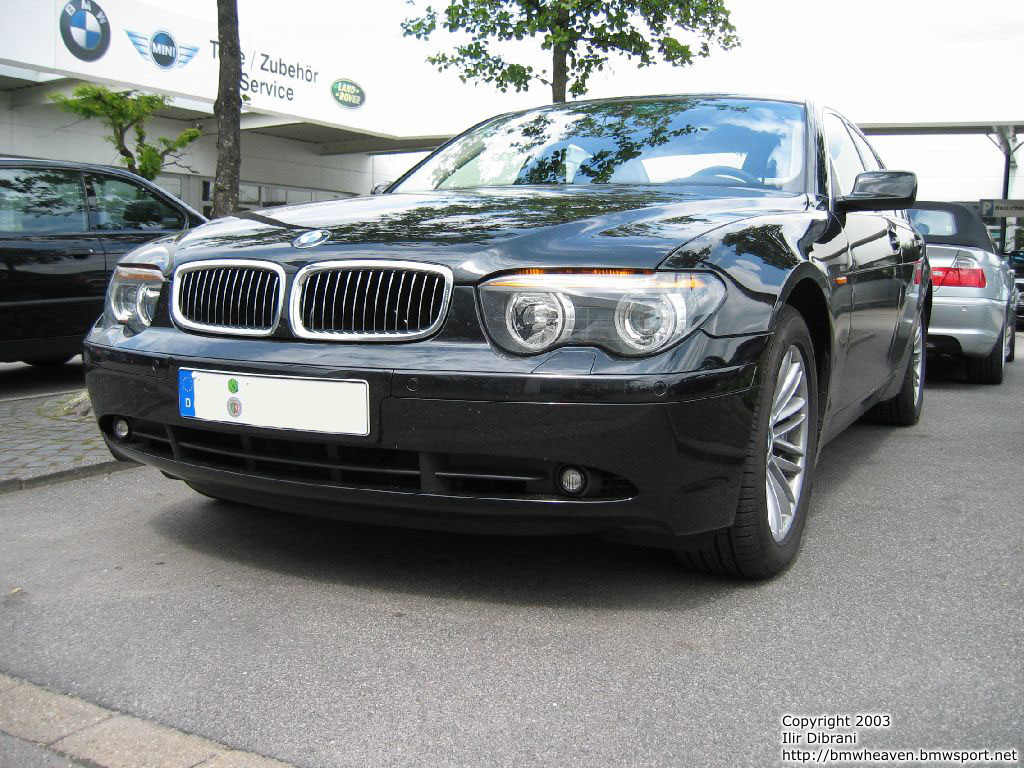 BMW 7 series 730i 2011 photo - 12