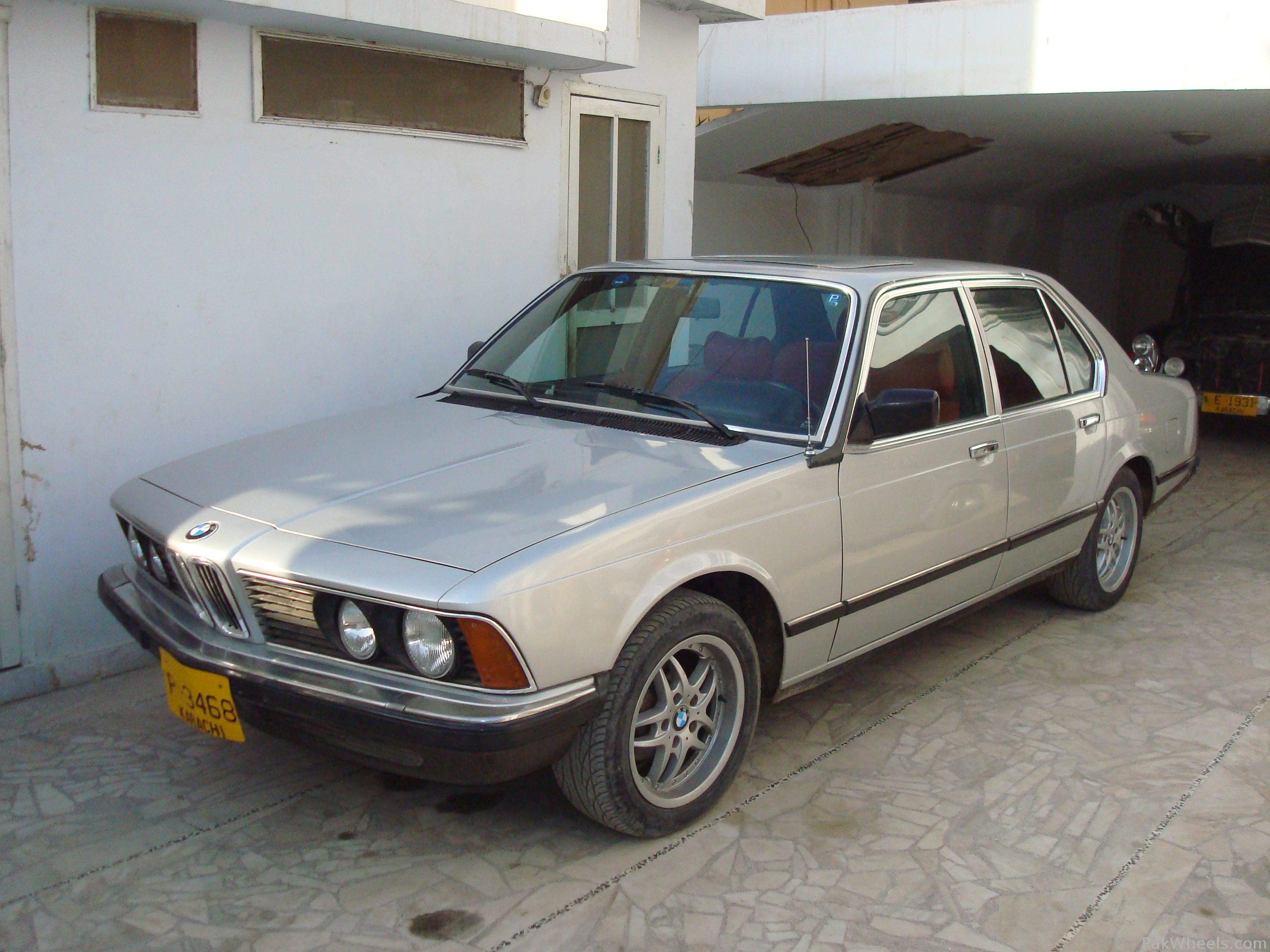 BMW 7 series 732i 1979 photo - 2