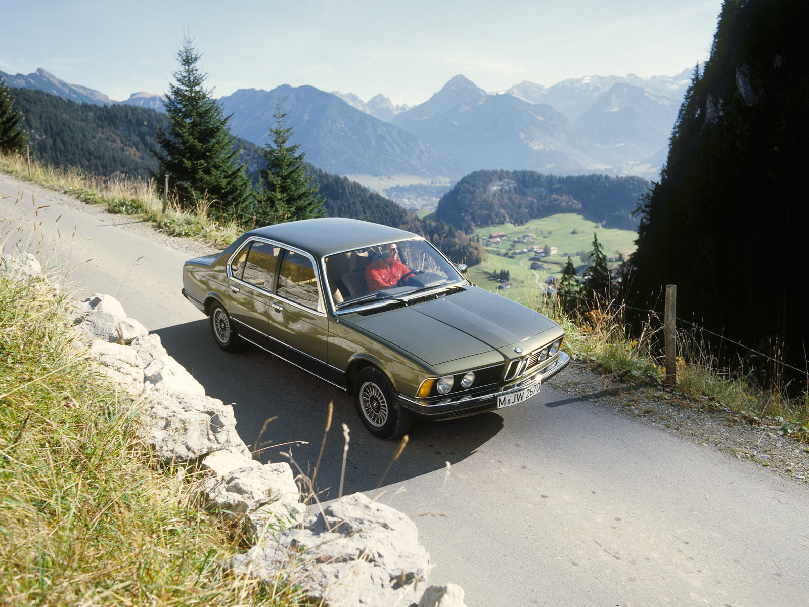 BMW 7 series 733i 1977 photo - 4