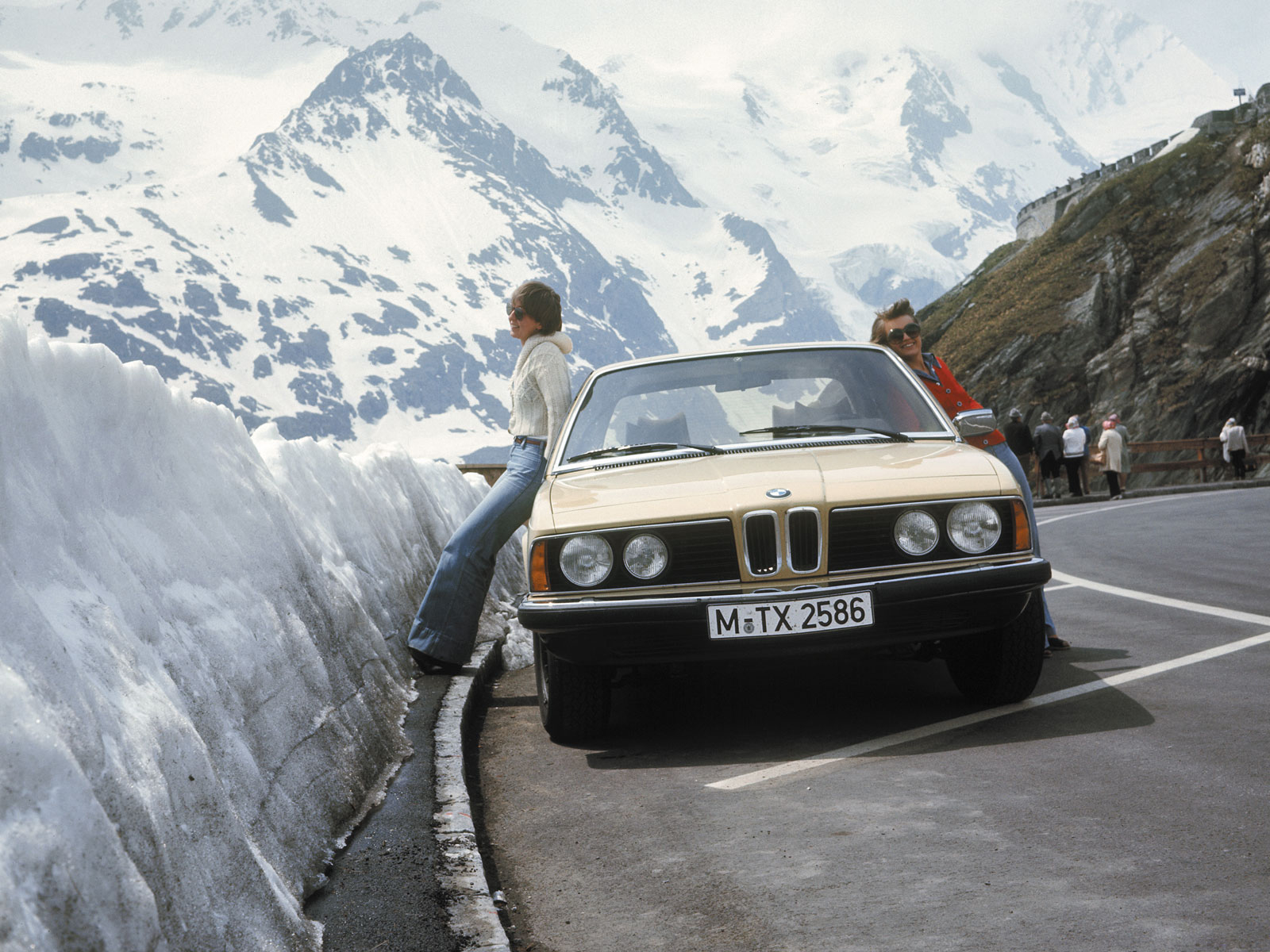BMW 7 series 733i 1977 photo - 5