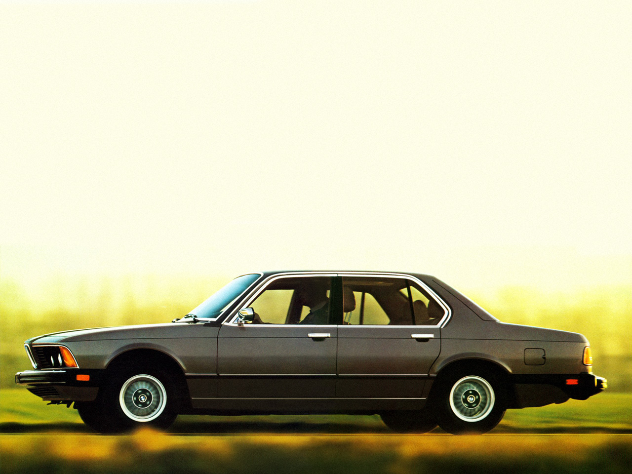 BMW 7 series 733i 1977 photo - 6