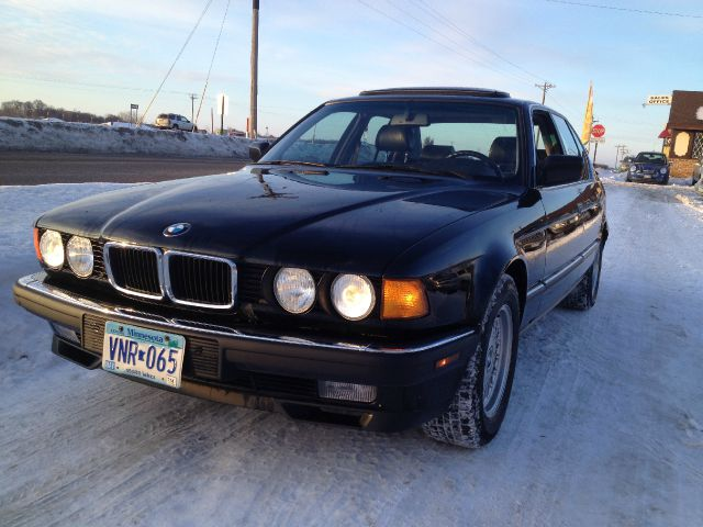 BMW 7 series 735i 1993 photo - 11