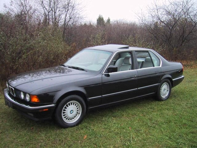 BMW 7 series 735i 1993 photo - 9
