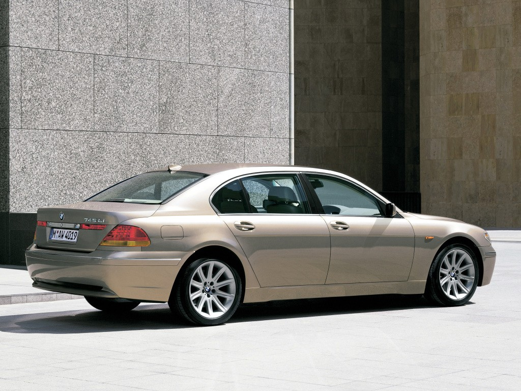 BMW 7 series 735i 2005 photo - 5