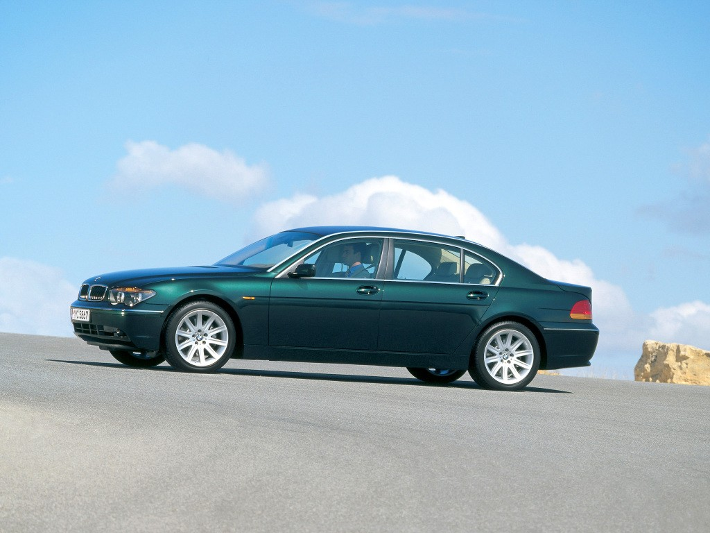 BMW 7 series 735i 2005 photo - 9