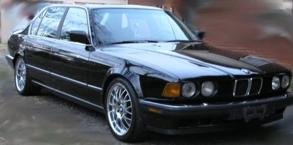 BMW 7 series 735iL 1988 photo - 12