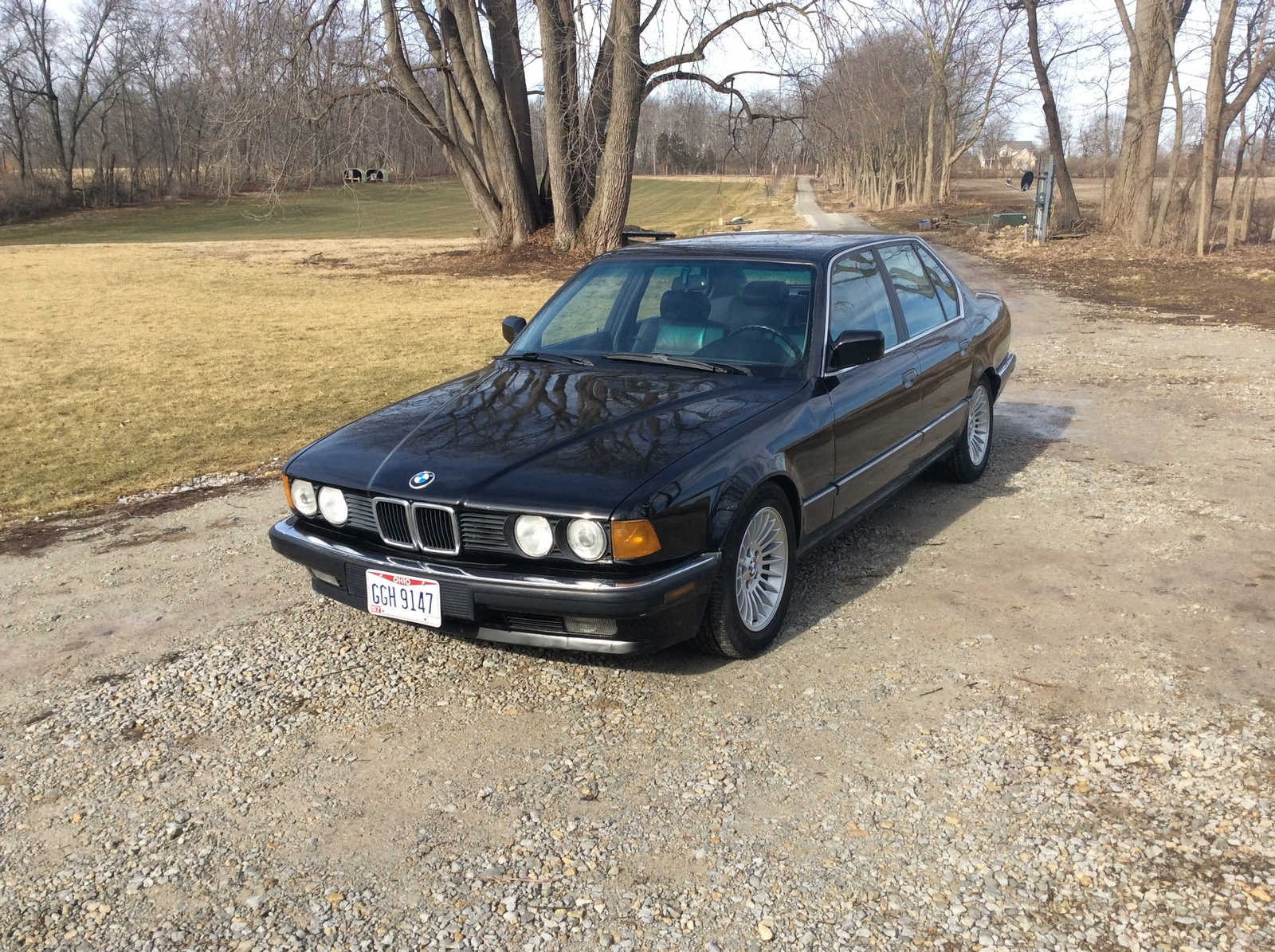 BMW 7 series 735iL 1988 photo - 3
