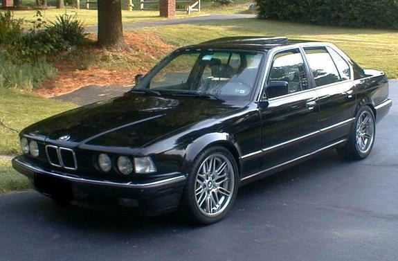 BMW 7 series 735iL 1988 photo - 6