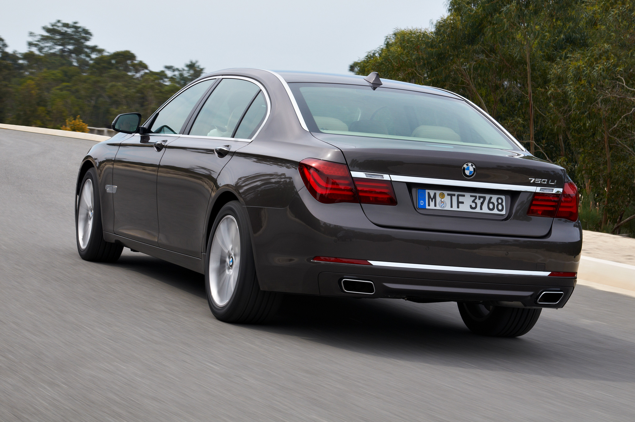 BMW 7 series 740Li 2013 photo - 11