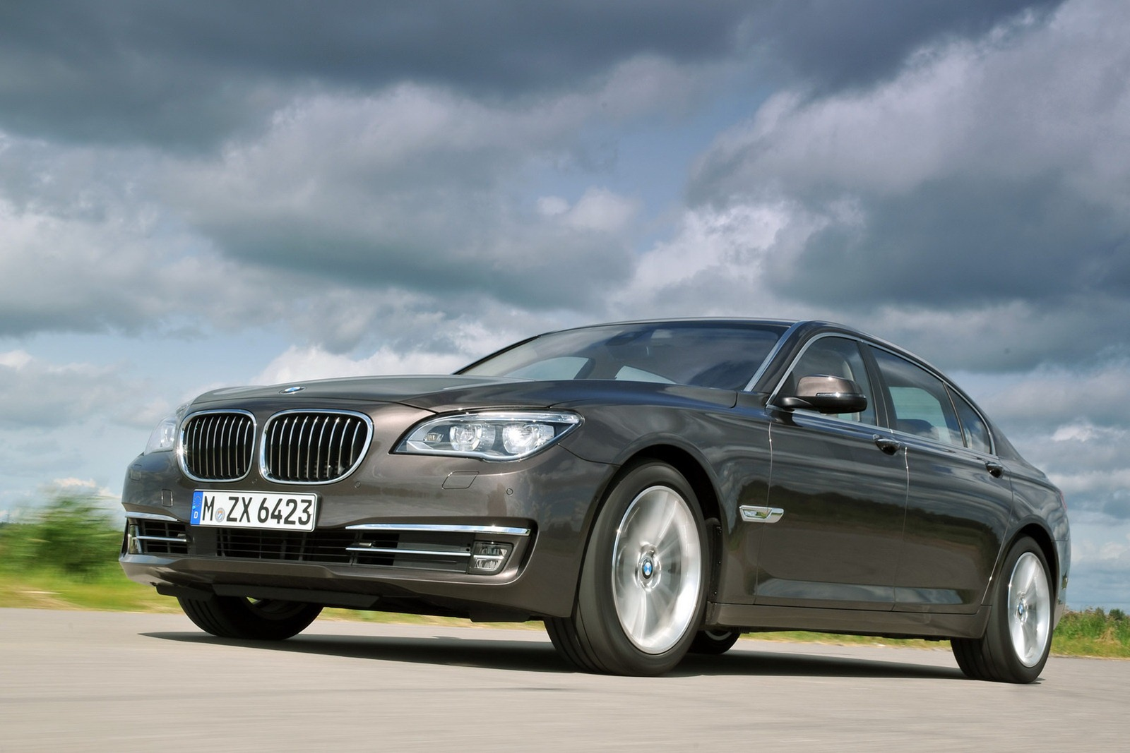 BMW 7 series 740Li 2013 photo - 5