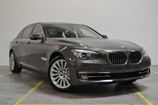 BMW 7 series 740Li 2013 photo - 6