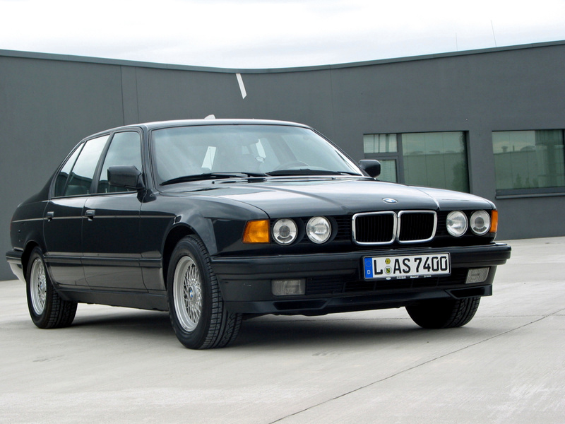 BMW 7 series 740i 1994 photo - 11