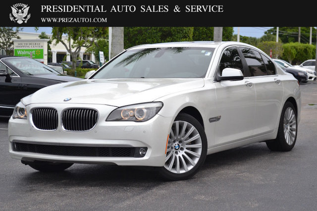 BMW 7 series 740i 2012 photo - 1
