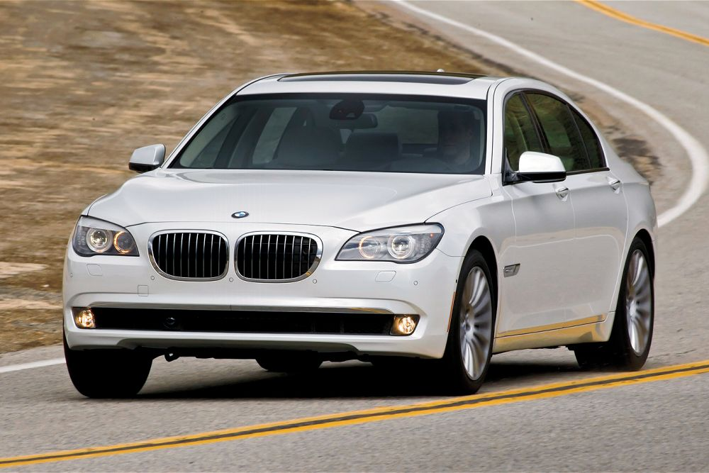 BMW 7 series 740i 2012 photo - 10