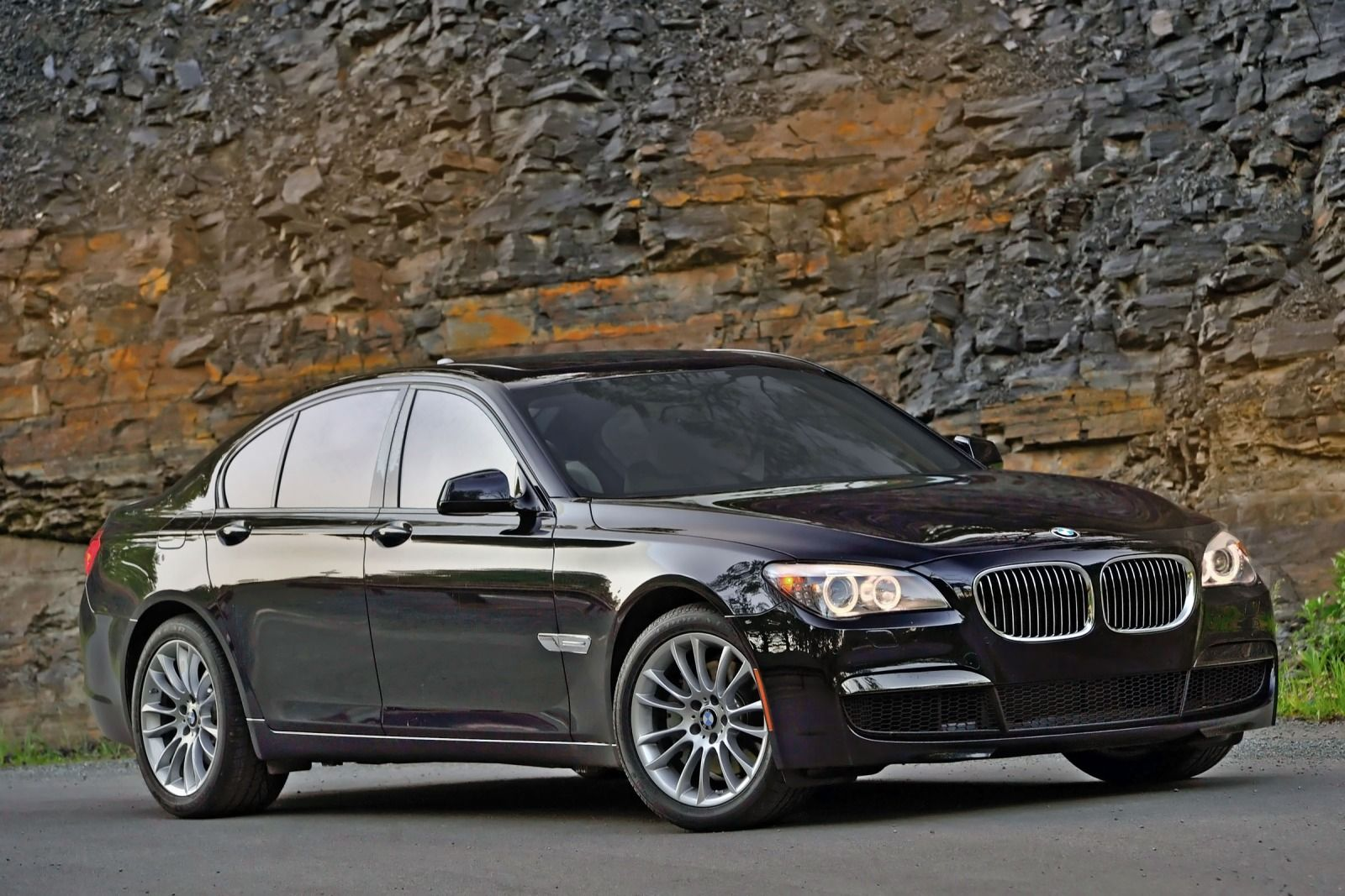 BMW 7 series 740i 2012 photo - 4
