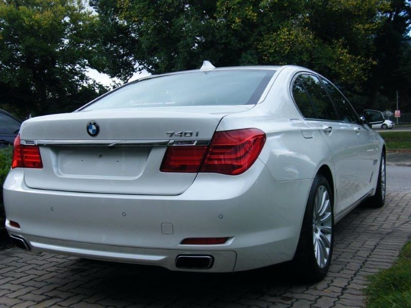 BMW 7 series 740i 2012 photo - 6
