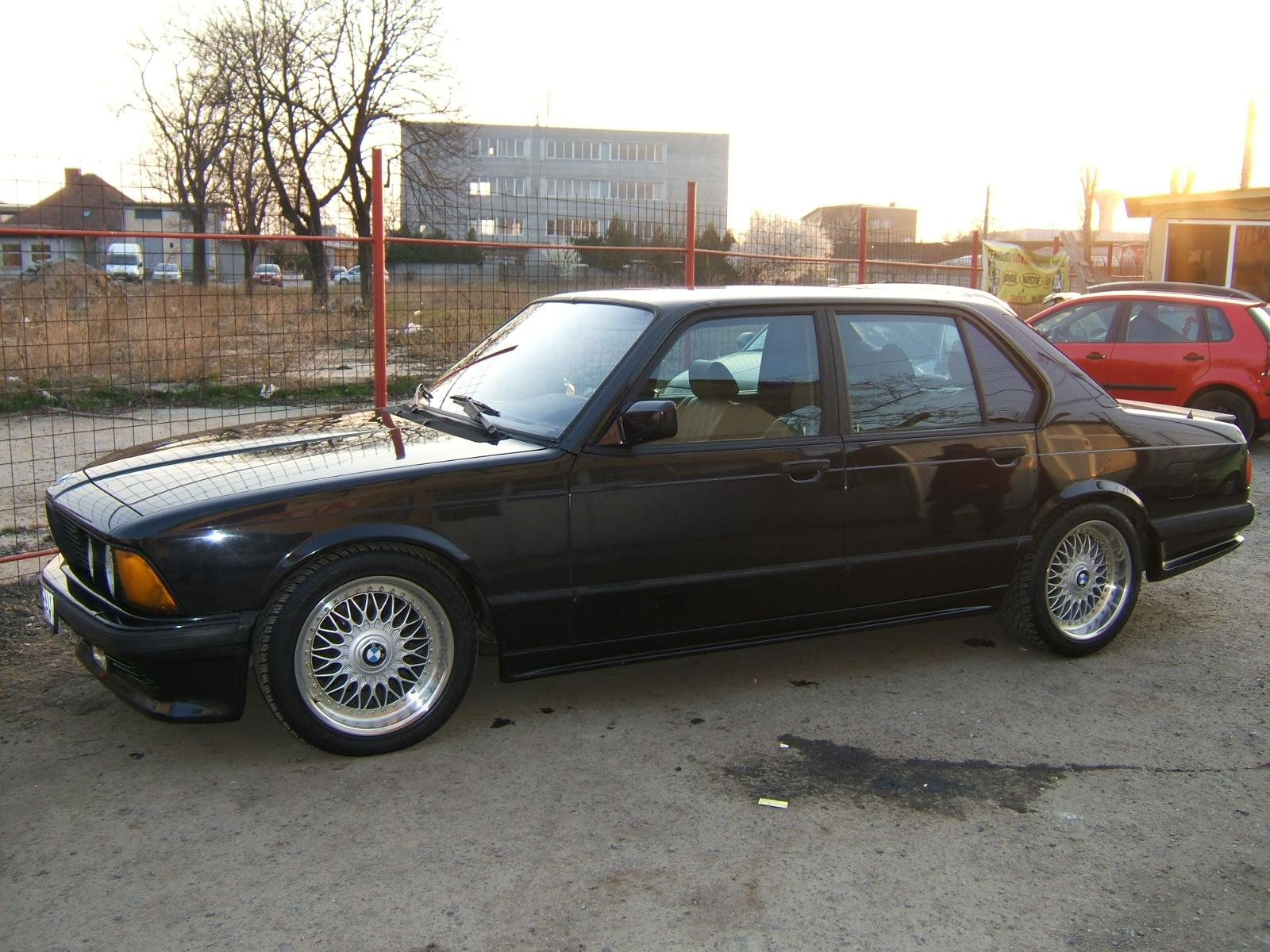 BMW 7 series 740iL 1986 photo - 2