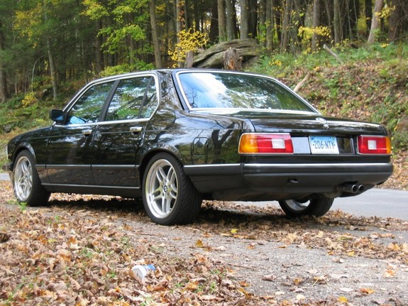 BMW 7 series 740iL 1986 photo - 5