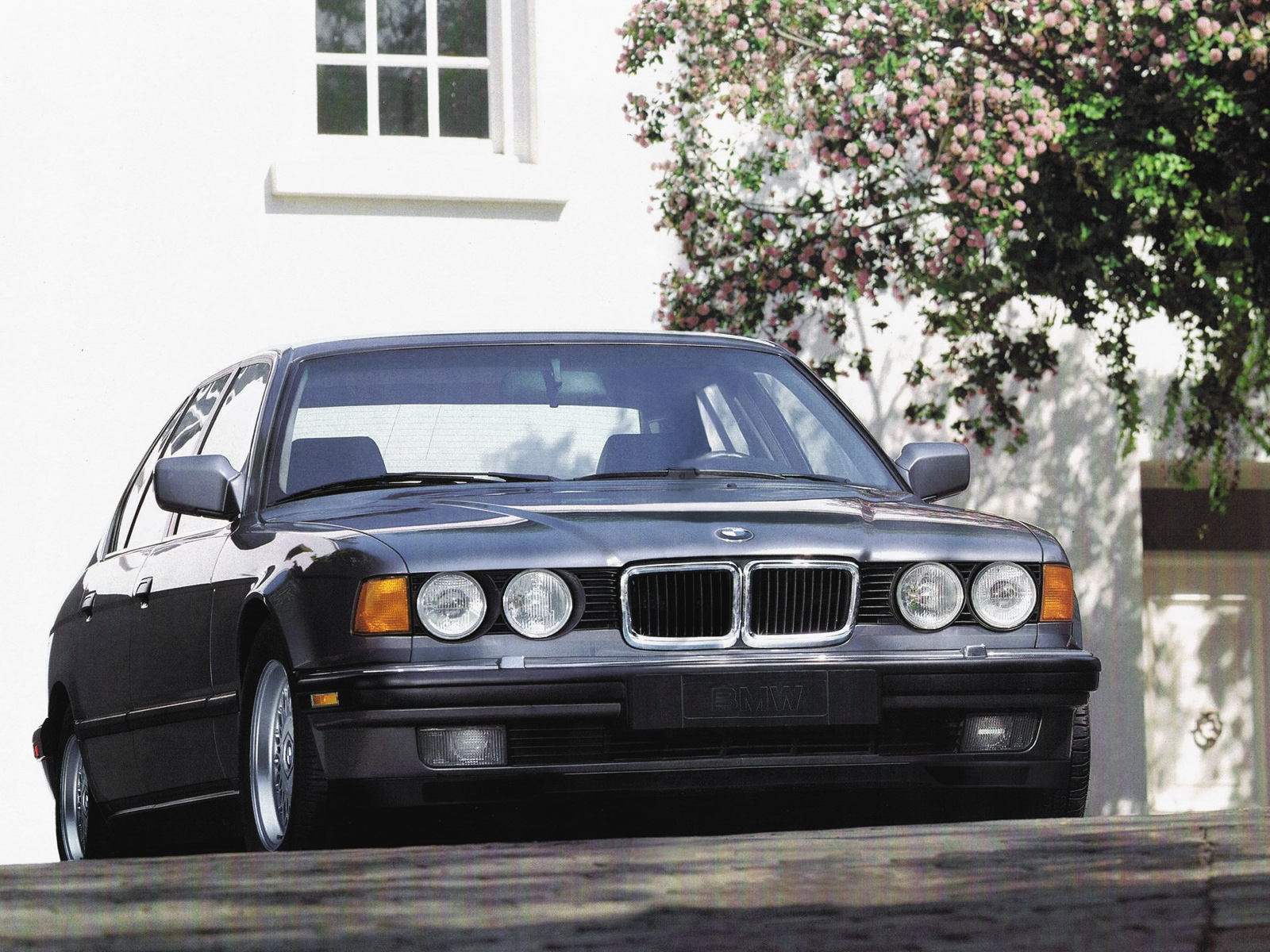 BMW 7 series 740iL 1986 photo - 6