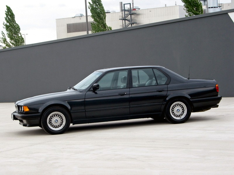 BMW 7 series 740iL 1986 photo - 9