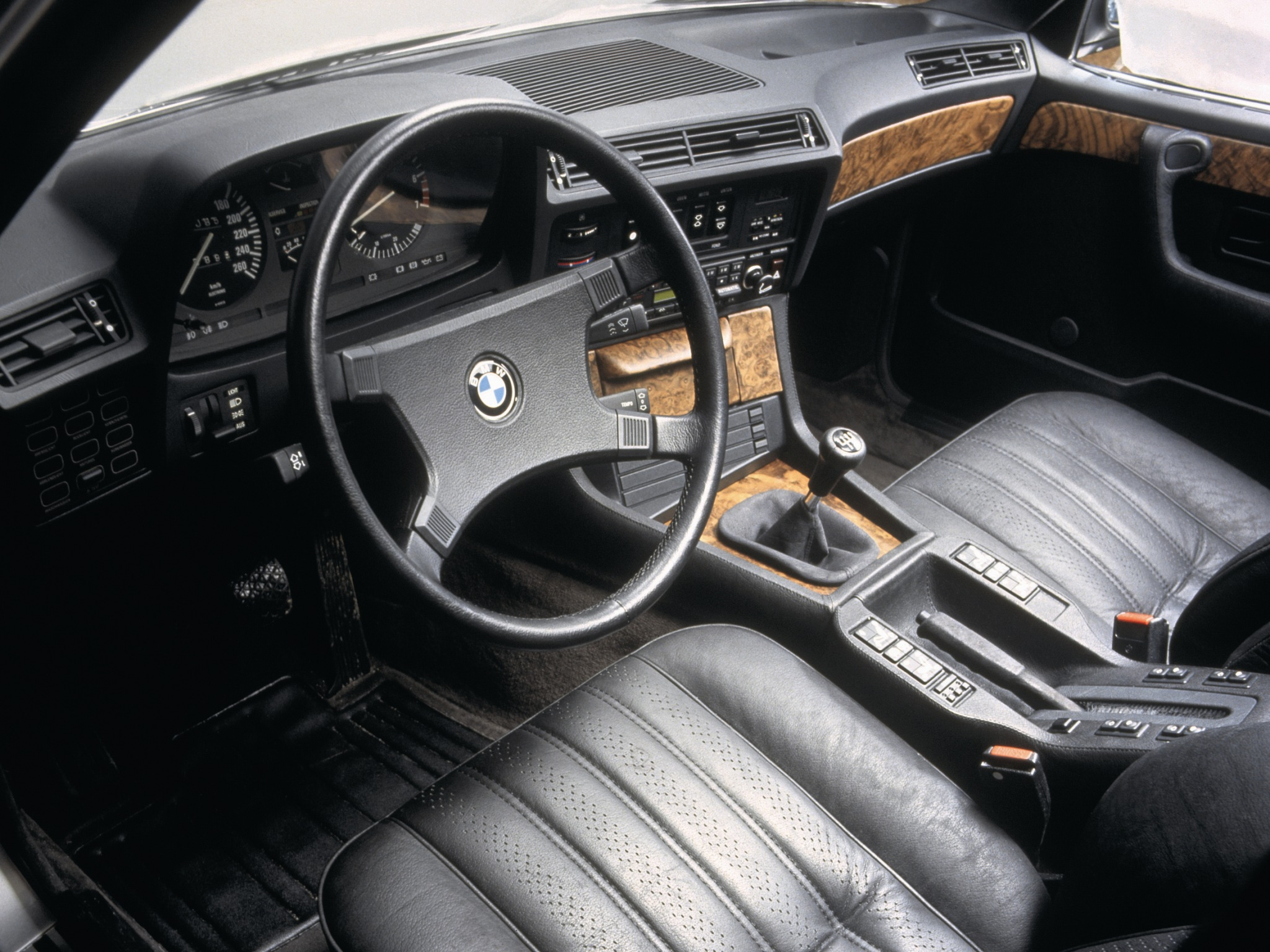 BMW 7 series 745i 1978 photo - 12