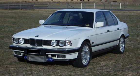 BMW 7 series 745i 1987 photo - 6