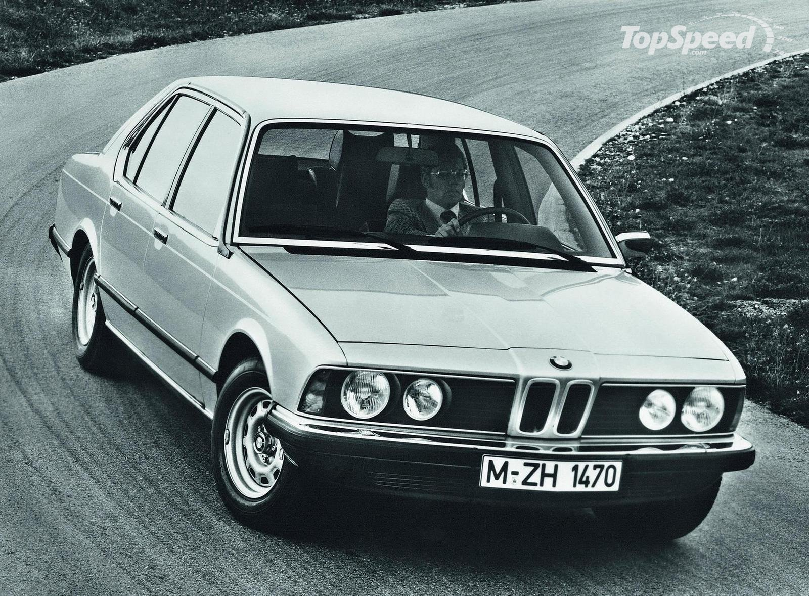 BMW 7 series 745i 1987 photo - 7