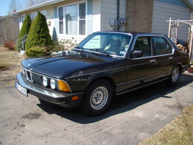 BMW 7 series 745i 1987 photo - 8