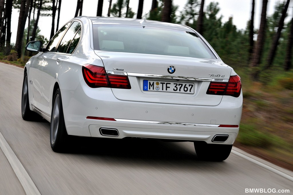 BMW 7 series 750d 2013 photo - 6